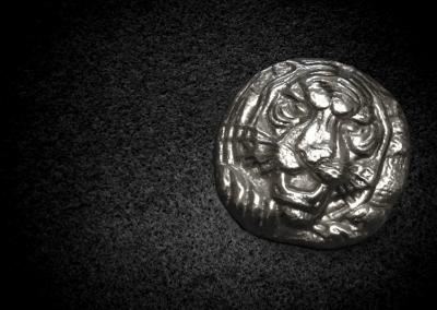 Silver-Lion-Round